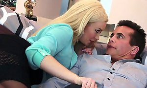 Bosomy blond milf Summer Brielle gives her head before pussy licking